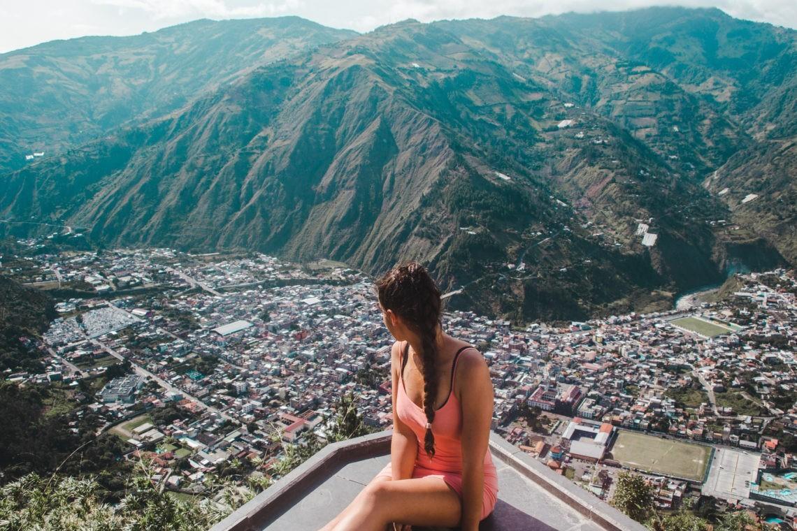 If we only had 2 weeks: Ecuador Itinerary | Luna Runtun viewpoint Baños Ecuador | Ecuador Travel Guide by Cuppa to Copa Travels